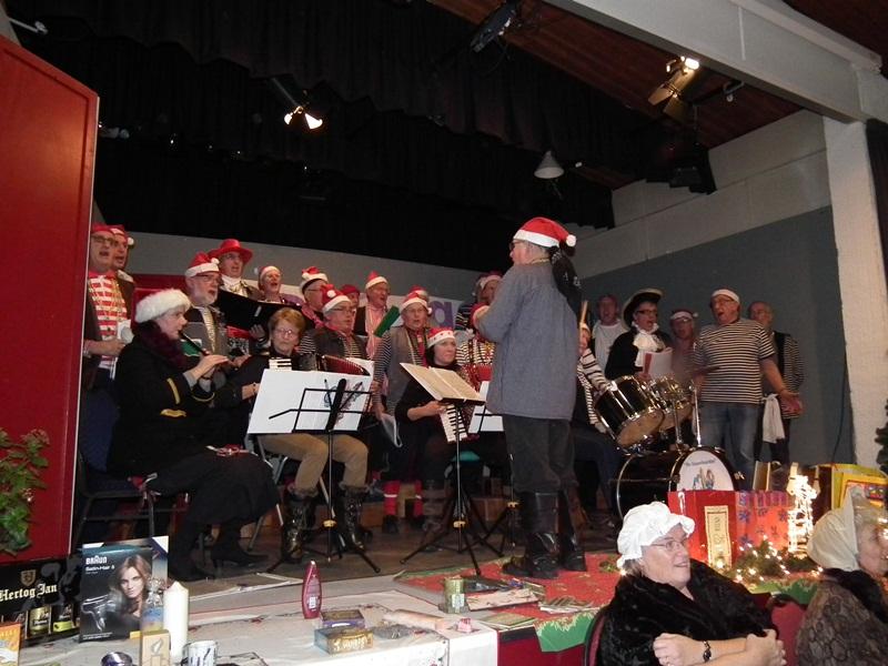 Blauwbaarden zingen twee keer tijdens kerstperiode