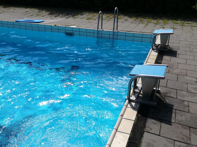 Dorpsbelangen neemt zwembad toch niet over