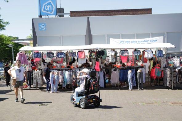 Braderie en kofferbakmarkt gezellig druk
