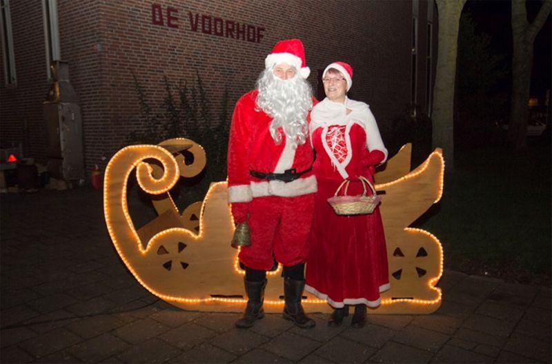 Kerstmarkt Biddinghuizen druk bezocht