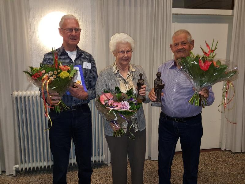 Drie koorleden 50 jaar lid van Zon en Zegen
