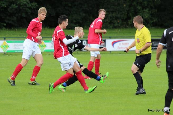 Eerste wedstrijd voor voetballers BAS