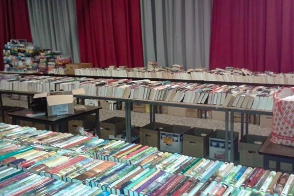 Grote boekenmarkt Zon en Zegen