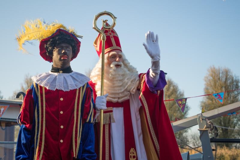 Sinterklaas landt op Biddinghuizer bodem