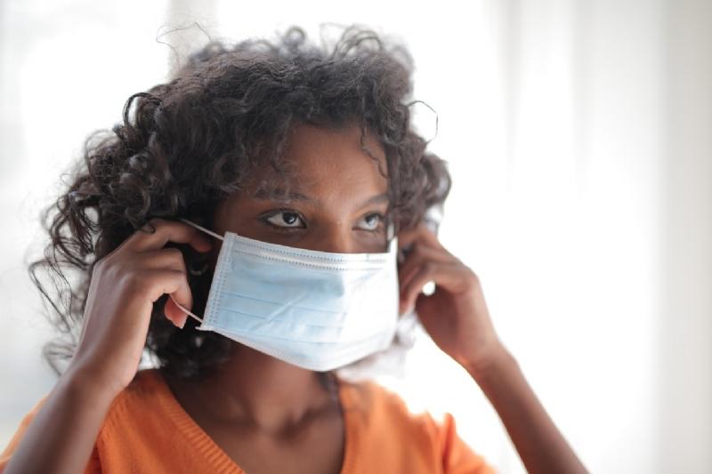 Oproep: breng mondkapjes bij zorgverleners